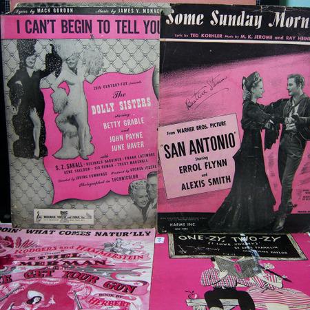 Pink_black_vintage_kitc