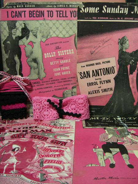 Pink_black_vintage_kitd